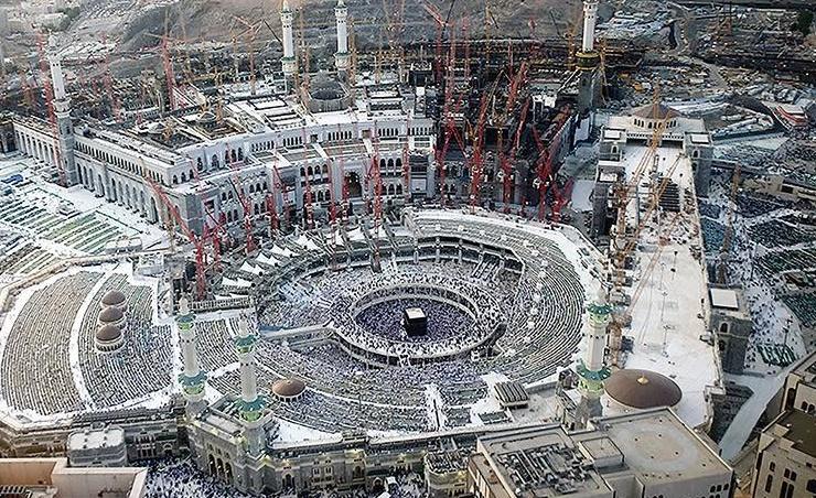 برعاية واهتمام خادم الحرمين الشريفين السعودية تنفذ مشروعات عملاقة لتوسعة وعمارة المسجد الحرام