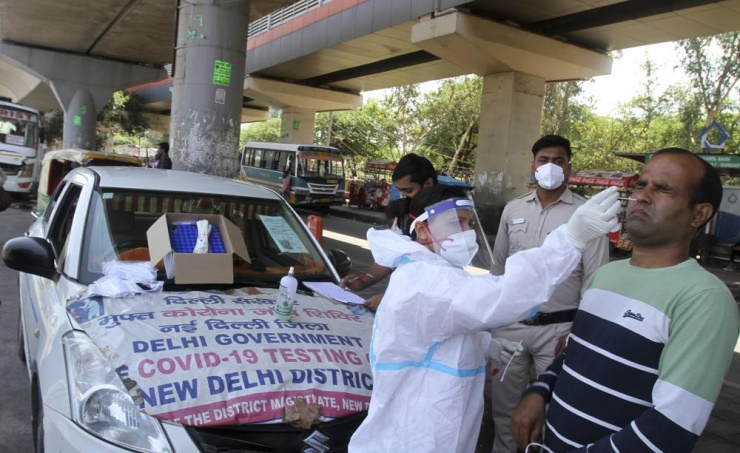 الهند تسجل أكثر من 211 ألف إصابة جديدة بفيروس كورونا